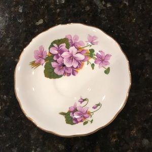 Royal Vale tea cup and saucer. Beautiful. No chips